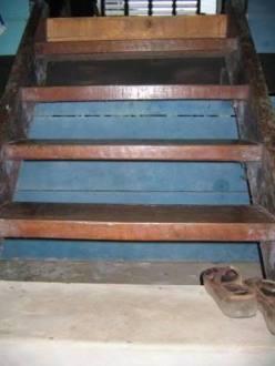 kampung-stairs